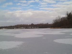 озеро Заболотье зимой
